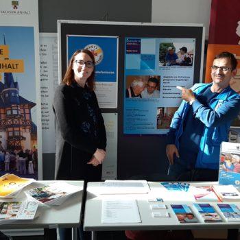 Frau Schulze und Herr Schnee von der Diakonie präsentierten die Angebote der Bahnhofsmission in Halberstadt und des Freiwilligennetzwerkes.