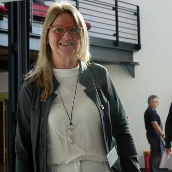 Architektin Gudrun Jostes aus Kassel leitete ein Forum zu barrierefreier Umgestaltung.