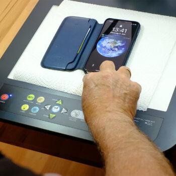 Beratung mit Visualizer sichert den Abstand, sodass auch während der Corona-Krise eine Smartphone-Sprechstunde im Reallabor TAKSI angeboten werden kann.